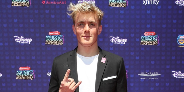 Jake Paul will fight ex-NBA star Nate Robinson in a cruiserweight bout.