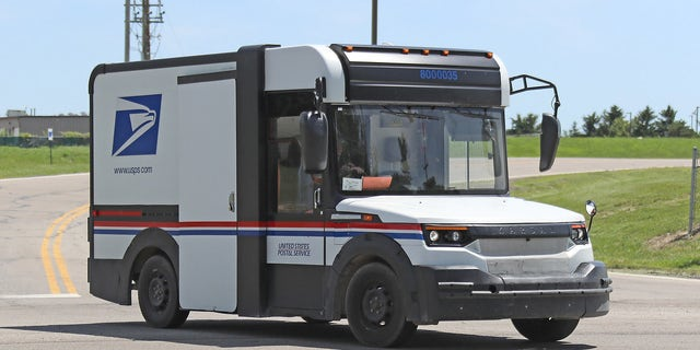 $6 3 billion delivery: New U S  Postal Service truck to be