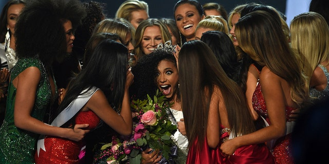 Miss USA 2019 crowns full-time attorney Cheslie Kryst as