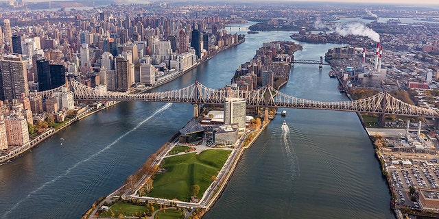 An aerial view of Roosevelt Island today. (Barratt Homes)
