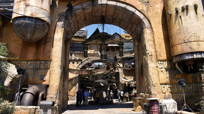 Guide to Disneyland's Star Wars: Galaxy's Edge – tips and tricks to maximize your enjoyment