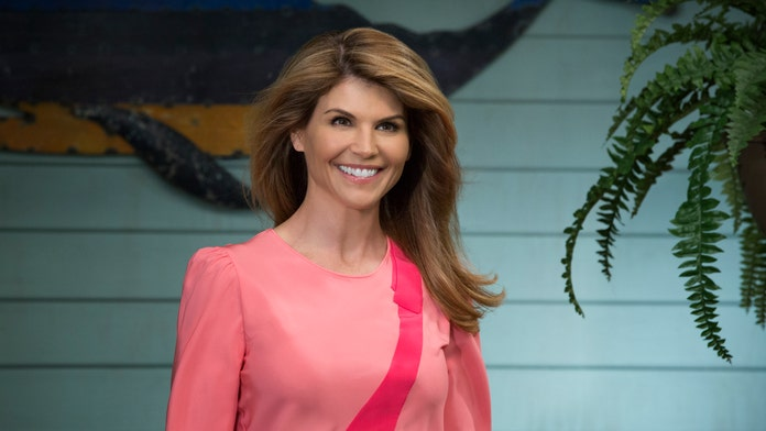 'Fuller House' Season 5 stars begin production without embattled Lori Loughlin