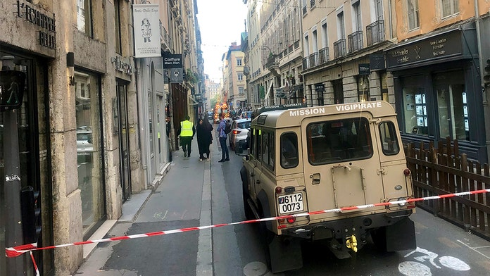 French police hunt man who planted explosive device in Lyon, release surveillance photos