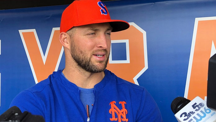 Syracuse Mets' Tim Tebow hitless, struck out by position player during blowout