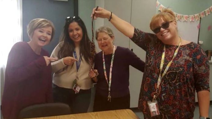 Photo with noose gets California school's principal, 4 teachers placed on leave