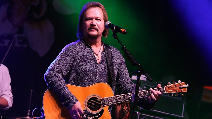 Country star Travis Tritt involved in fatal accident, 2 dead and one injured