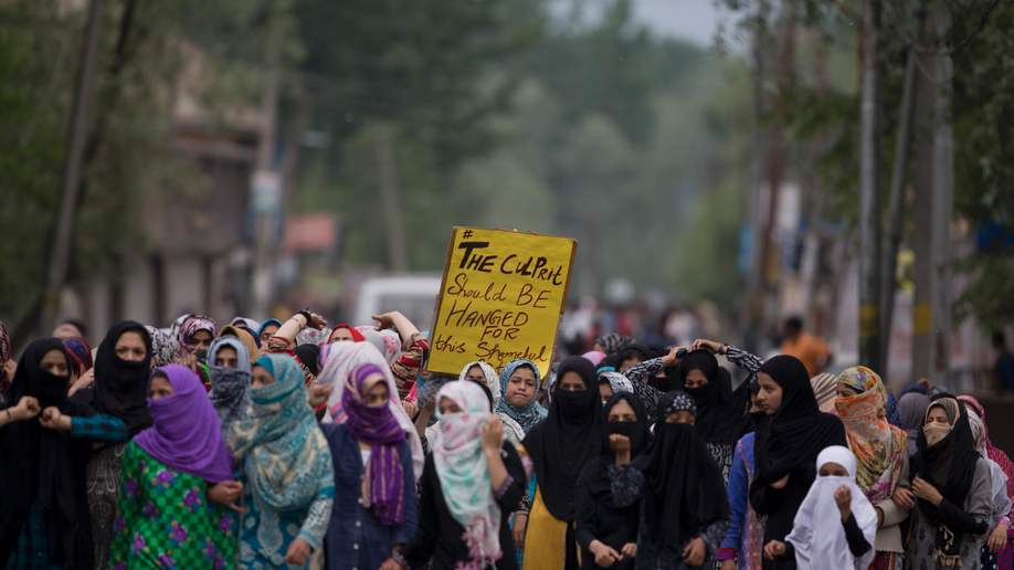 Kashmir, India, Thousands Protest Rape of 3-Year-Old Girl