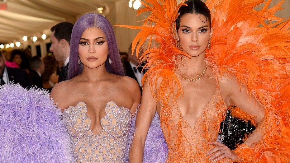 327faefe86c8 Kendall and Kylie Jenner's Met Gala looks inspire 'White Chicks ...