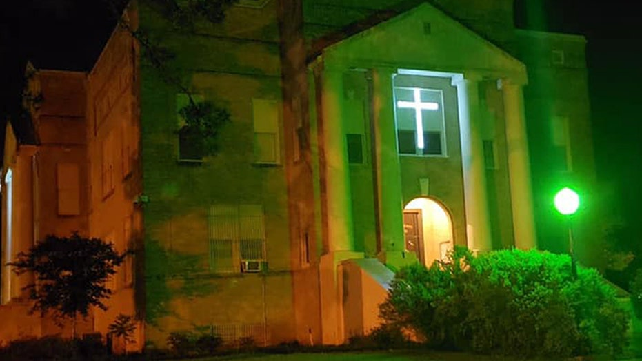 Texas county votes to keep crosses on the courthouse