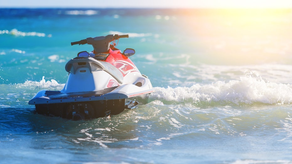 Florida jet-ski chase leads to suspect's arrest near mayor's home: reports