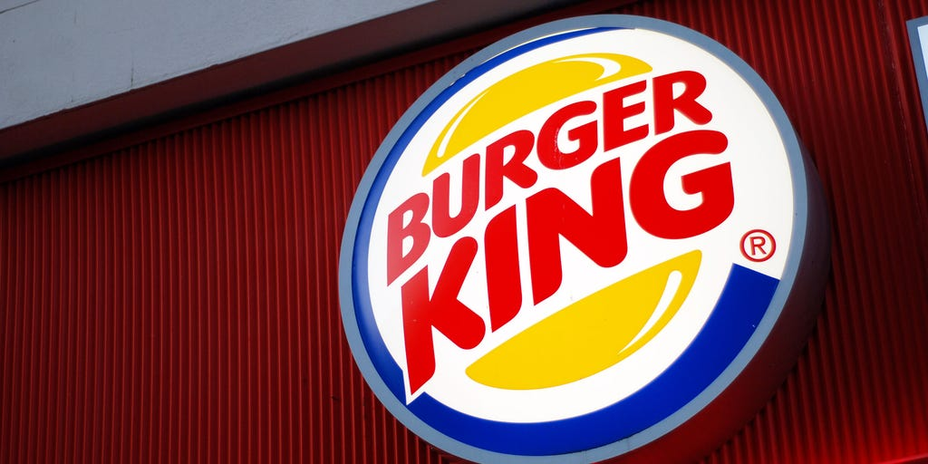 Burger King employee filmed mopping table tops after cleaning the floors