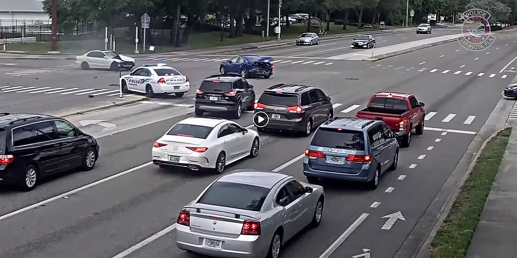 Dramatic Florida video shows driver hitting 2 cars after running red