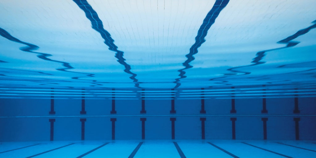 Disqualification of Alaska HS swimmer after ref saw \u0027butt