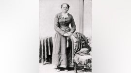 Schumer asks for probe into delay of Harriet Tubman $20 bill