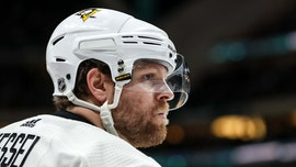 Pittsburgh Penguins star Phil Kessel vetoed trade, expected to stay with team, general manager says