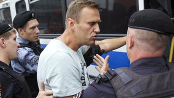 Russia arrests Putin critic Alexei Navalny, hundreds more for taking part in anti-corruption protest
