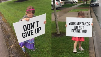 Oregon mom inspires with uplifting yard signs