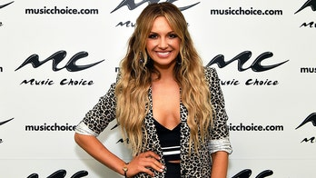 Carly Pearce gets ready for the CMT Music Awards with a workout and an Ariana Grande song