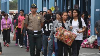Peru starts demanding passports, visas from Venezuelans