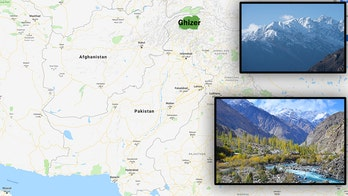 Pakistan mountain avalanche strands 4 Italian, 3 local climbers