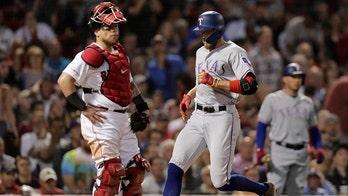 Texas Rangers' Hunter Pence easily scores inside-the-park home run against Boston Red Sox