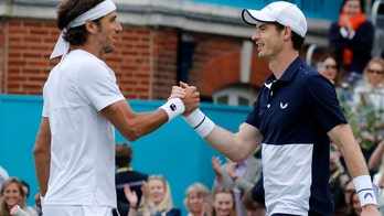 Murray makes winning return in doubles at Queen's Club