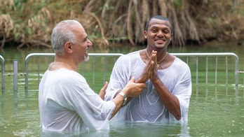 NFL quarterback gets baptized in Jordan River during 'life-changing' first trip to Israel