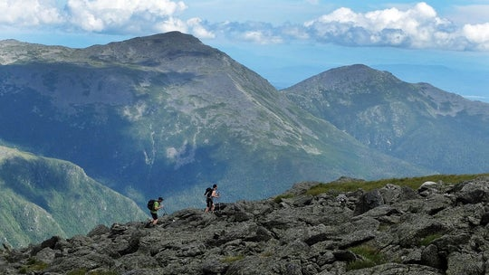 New Hampshire hiker survives 200-foot fall while descending Mount Washington