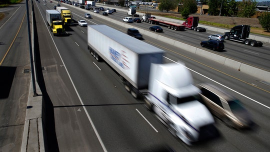 U.S. senators propose 65 mph speed limiters for semis