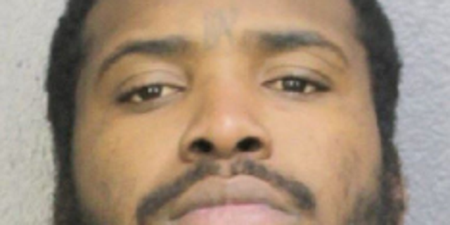 Westlake Legal Group Capture Florida murder suspect released from jail on court mix-up: report fox-news/us/crime fox news fnc/us fnc e372d5c5-190f-511e-a762-7cb7509183ca Bradford Betz article