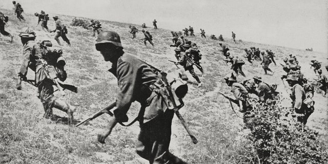 German soldiers battling in the Stalingrad region, Russia, World War II, on Sept.  6, 1942. (De Agostini Editorial/Getty)