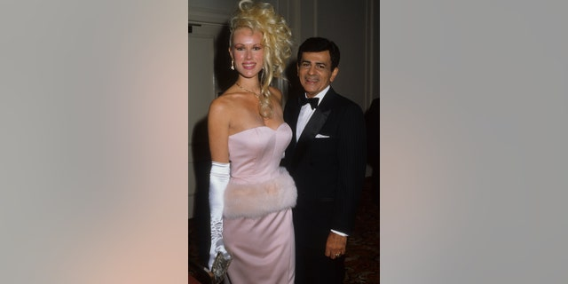 Disc jockey, TV personality and actor Casey Kasem and wife Jean Kasem attend the St. Jude Children's Hospital Benefit Gala on August 30, 1986 at the Century Plaza Hotel in Los Angeles, California. (Photo by Donaldson Collection/Michael Ochs Archives/Getty Images)