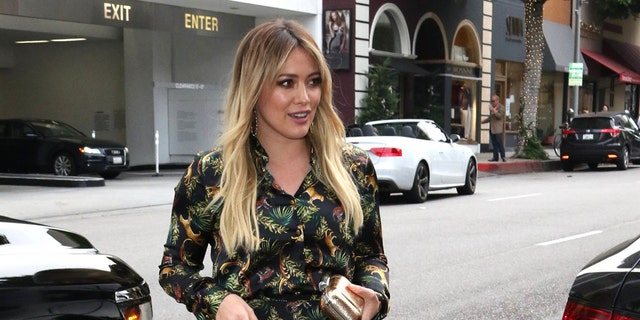 FIRST PIC: Hilary Duff and Matthew Koma are now man and wife