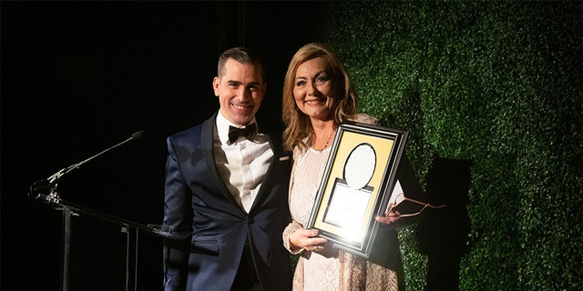 """Jan Broberg and her mother received The """"Hope"""" Award in Washington, DC from The National Center for Missing and Exploited Children."""