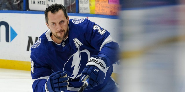 Ryan Callahan #24 of the Tampa Bay Lightning gets ready for the game against the Boston Bruins at Amalie Arena on March 25, 2019 in Tampa, Florida. (Photo by Scott Audette/NHLI via Getty Images)