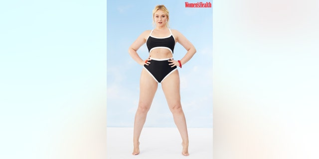 Model Iskra Lawrence poses in completely unretouched photos