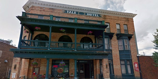 The manager of the Yale Hotel in Michigan has offered free lodging to those seeking abortions.