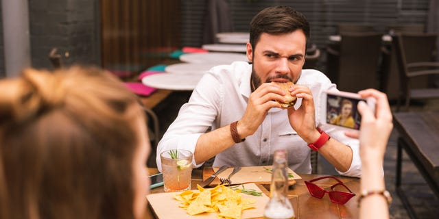 Online dating awkward first date