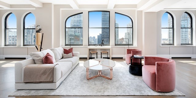 The interior of the penthouse that Jeff Bezos is set to purchase can be seen above. (Travis Mark)