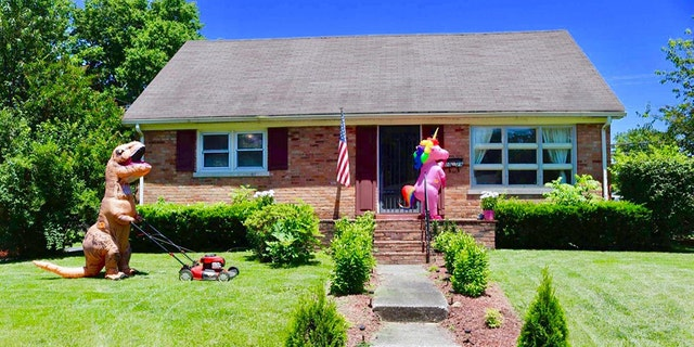 "One Kentucky realtor has two special helpers to thank for her ""busiest open house"" ever – her young son and daughter, who dressed up in inflatable dinosaur and unicorn outfits to help sell their mom's old house."
