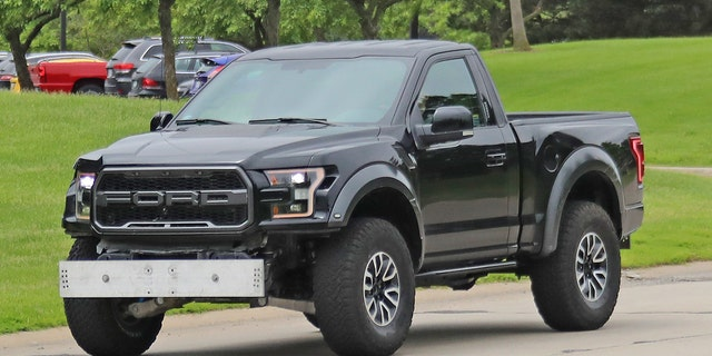 Ford Raptor Bronco >> Bizarre Ford F 150 Raptor Spotted Could It Be A New Bronco