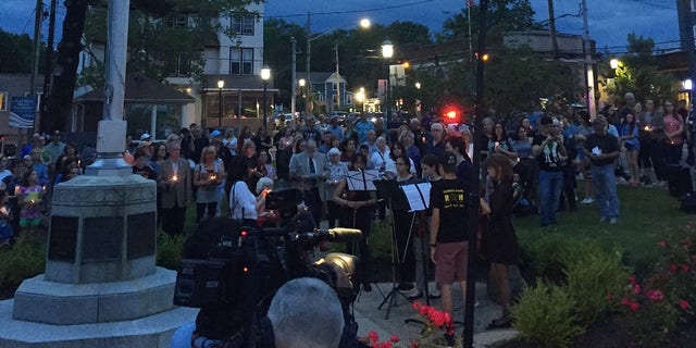 Westlake Legal Group vigil1 Hundreds protest plan to release convicted killer of 16-year-old New York girl fox-news/us/us-regions/northeast/new-york fox-news/us/crime/homicide fox news fnc/us fnc Cristina Corbin article 7d95cc3b-c28f-5f2d-b86c-68c03a281954