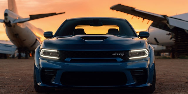 The Dodge Charger Hellcat Widebody Is A Full Figured Sports