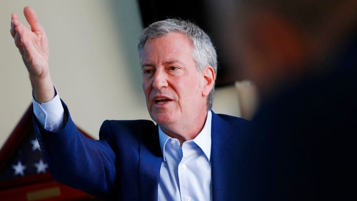 De Blasio pressed on being in Iowa during NYC blackout: 'Doesn't matter where you are' when you're a chief ...
