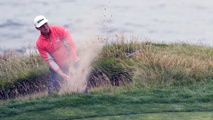 Gary Woodland holds off Brooks Koepka to win US Open