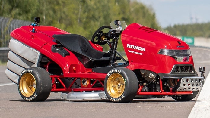 Honda lawnmower reaches 100mph in 6 seconds for world record, video shows