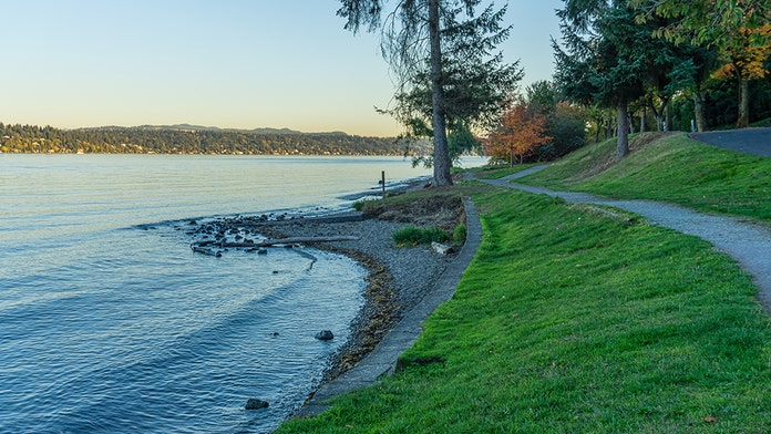 7-year fight for Lake Washington shoreline ends with Seattle paying $800G to property owners, turning lot i...
