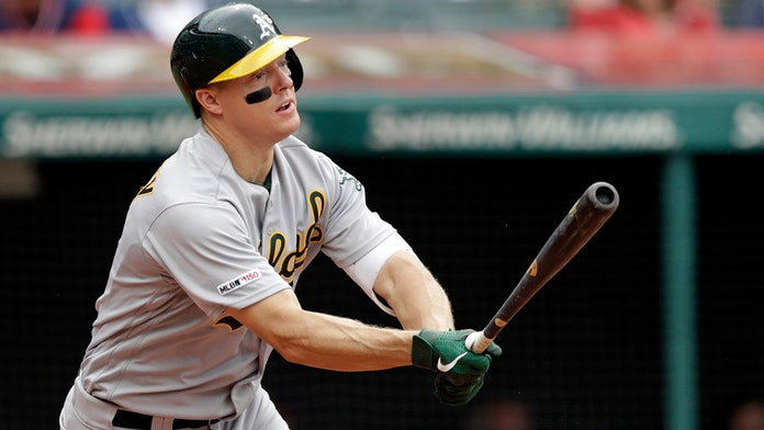 Nick Hundley's care for ailing boy leads to lasting bond