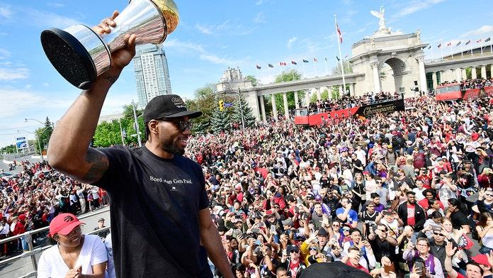 Kawhi Leonard urged to stay with Toronto Raptors during team's championship parade