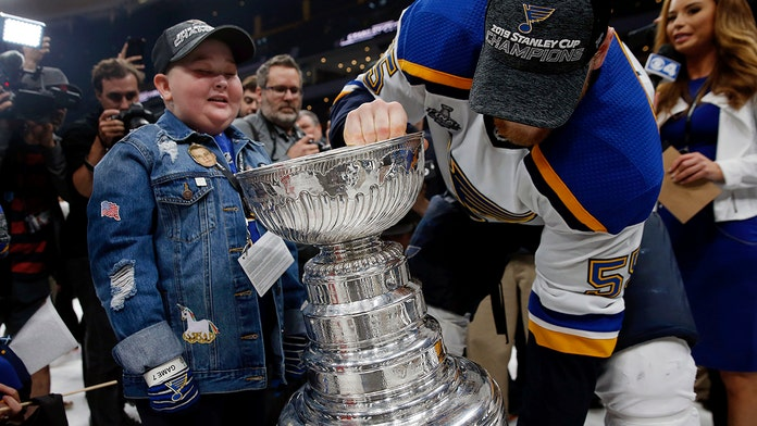 Young St. Louis Blues fan, 11, gets her moment with Stanley Cup after team's win